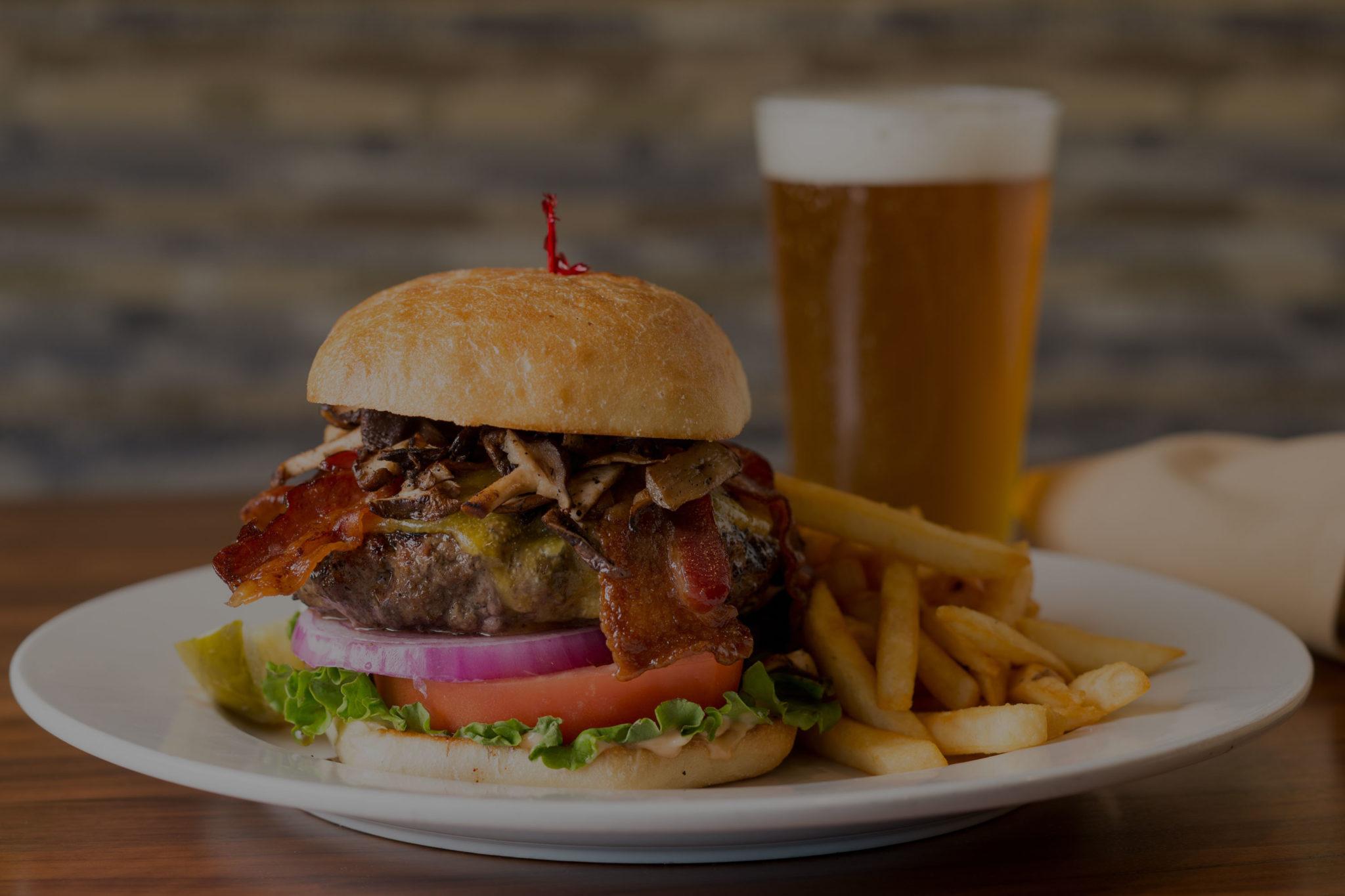 Dining Near Portland Airport | Lakeside Bar & Grill | Portland, OR